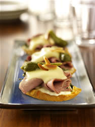 Roast Beef Bruschetta with Almond