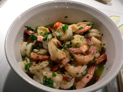 Unpeeled Shrimp in Vermouth and Garlic Sauce