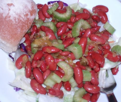 apple and kidney bean salad