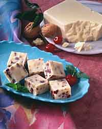 CHERRY-NUT  WHITE  FUDGE